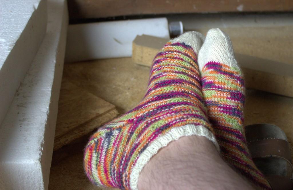 Mini Socken aus Strickwolle von Norma