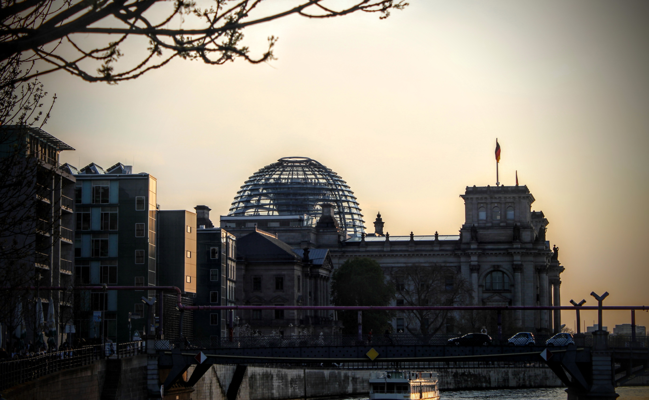 Reichtag Berlin im Sonnenuntergang